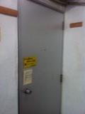 フロント入口