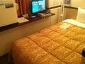 ベッドが椅子替わりです
