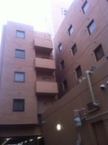 駐車場からのホテル外観
