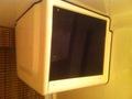 カプセル内のテレビ