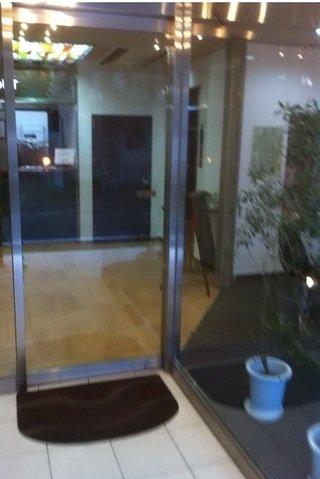 ホテル入口自動扉
