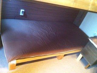 ベッドの敷布団