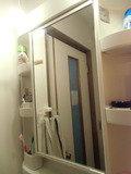 脱衣所の洗面鏡
