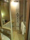 シャワールーム全体