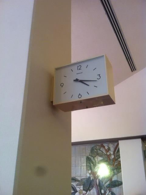 廊下の時計