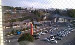 隣にあるファミリーマート駐車場です