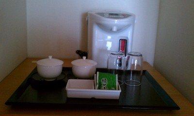 ポットとお茶