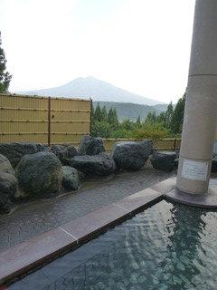 岩木山を望む温泉露天風呂