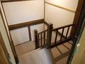客室に向かう階段の様子