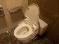 西館地下共同トイレ(個室)