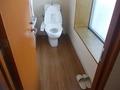 岩盤浴ブース内の個室トイレ