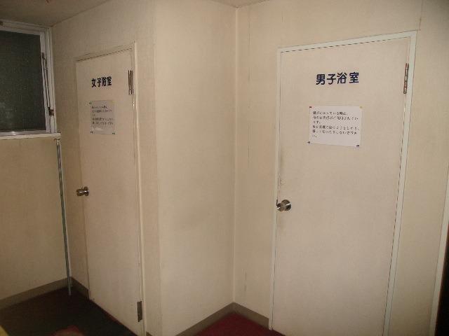2F共同浴室入口の様子