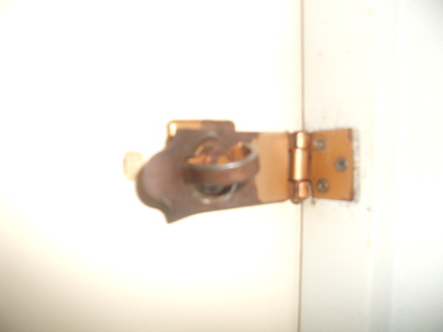 浴室利用時は内側からこちらを施錠します