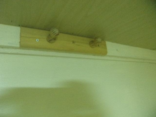 ボックス客室内の壁掛けフック