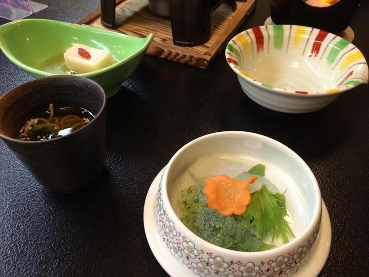 夕食(刺身こんにゃく、おそば、ごま豆腐)