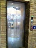 一階エレベーター