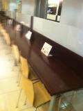ロビーのカウンターテーブル