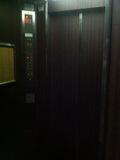 エレベーター内の鏡