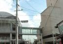 左が「リリオ」、右がホテルの建物です