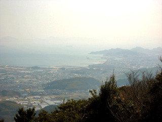 春霞の三河湾