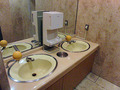 資源節約エアタオル中央配置式トイレ洗面台