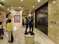 フロント階の彫刻