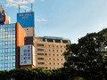 新大阪駅からホテルを望む
