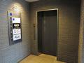 荘重なフロント階エレベーターホール