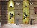 かきつばたの表現美・1階エレベーター扉
