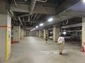 地下駐車場は約60台収容