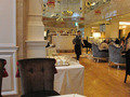 ブッフェが人気の1階・Wカフェ