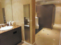 フロント階の共用トイレ