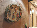 2階レストランフロアの壁飾り