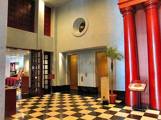 ホテル2階・エントランス