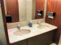 フロント階トイレの洗面台