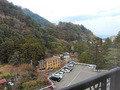 客室から御在所岳山麓を見下ろす