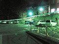 夜でも明るい駐車場