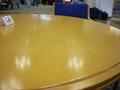 ロビー横のテーブルです。