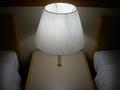 ベッド脇の照明です。