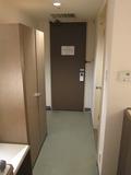 部屋の入口側の様子