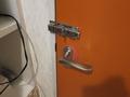 風呂の入口の鍵の様子