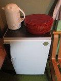 冷蔵庫とお茶セットの様子