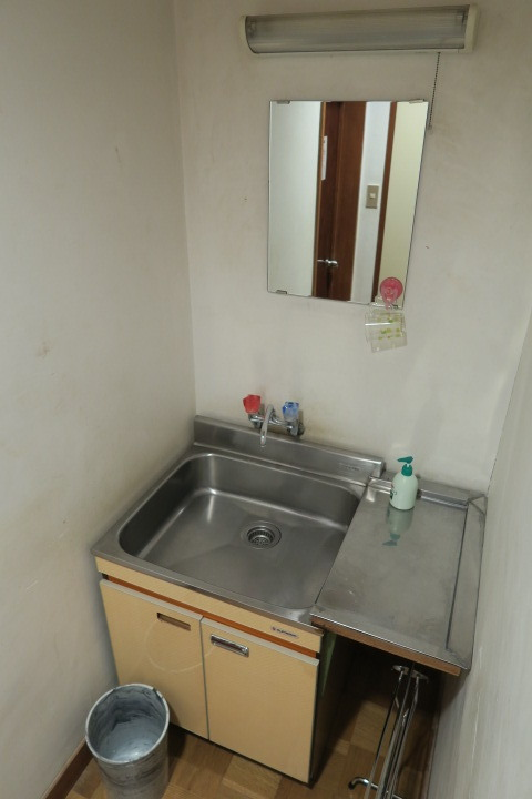 部屋の洗面台の様子