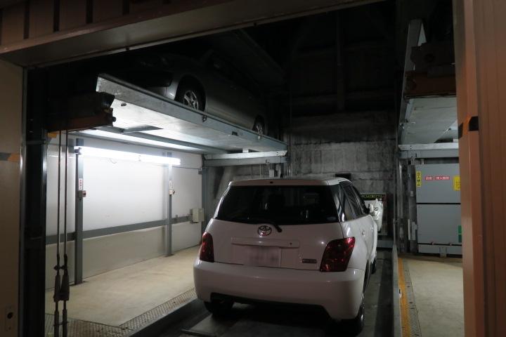 立体駐車場の入口の様子