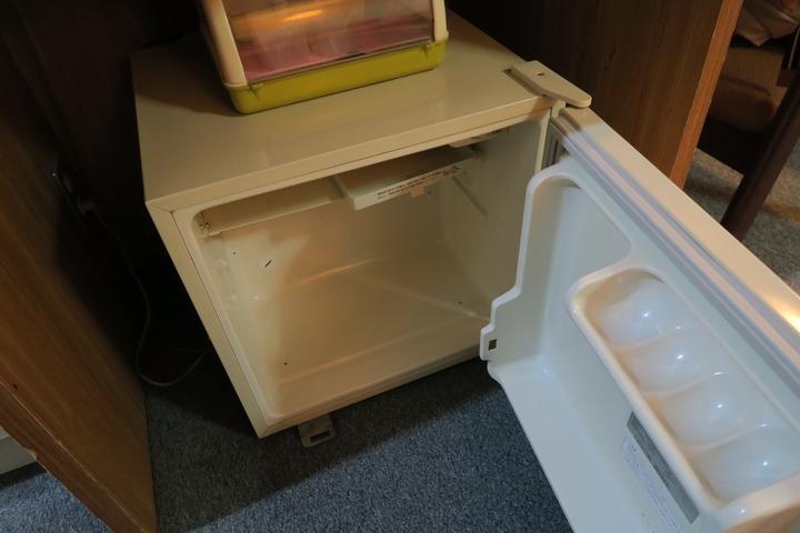 部屋の冷蔵庫の様子