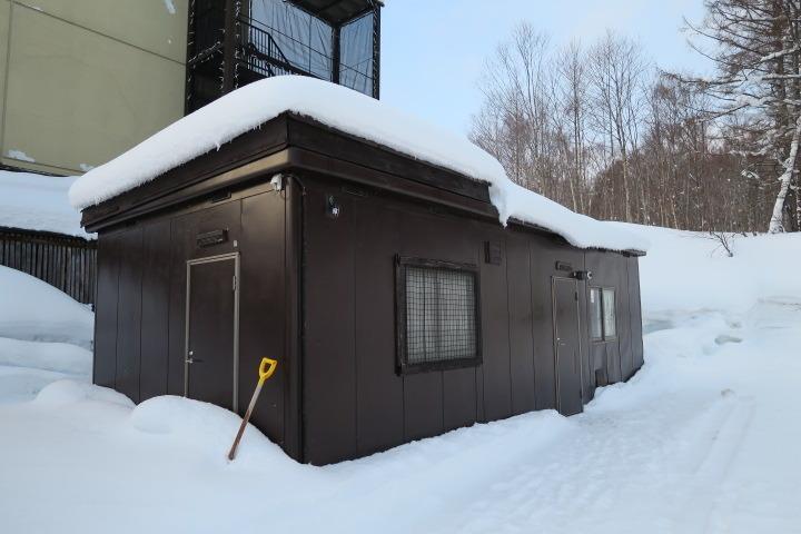 スキー乾燥室の外観
