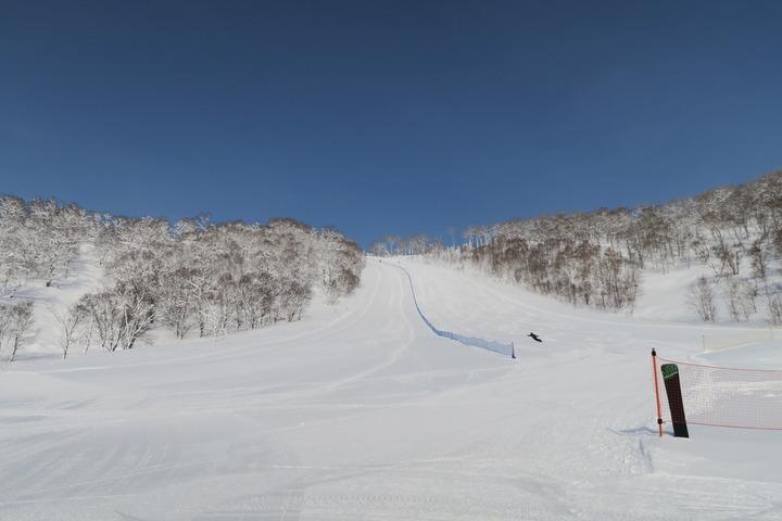 ホテルノースサイド横のスキー場の様子