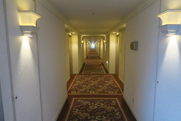 客室までの道のり