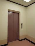 新館のエレベータ