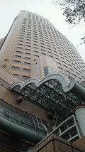浜松駅前の多目的ホテル